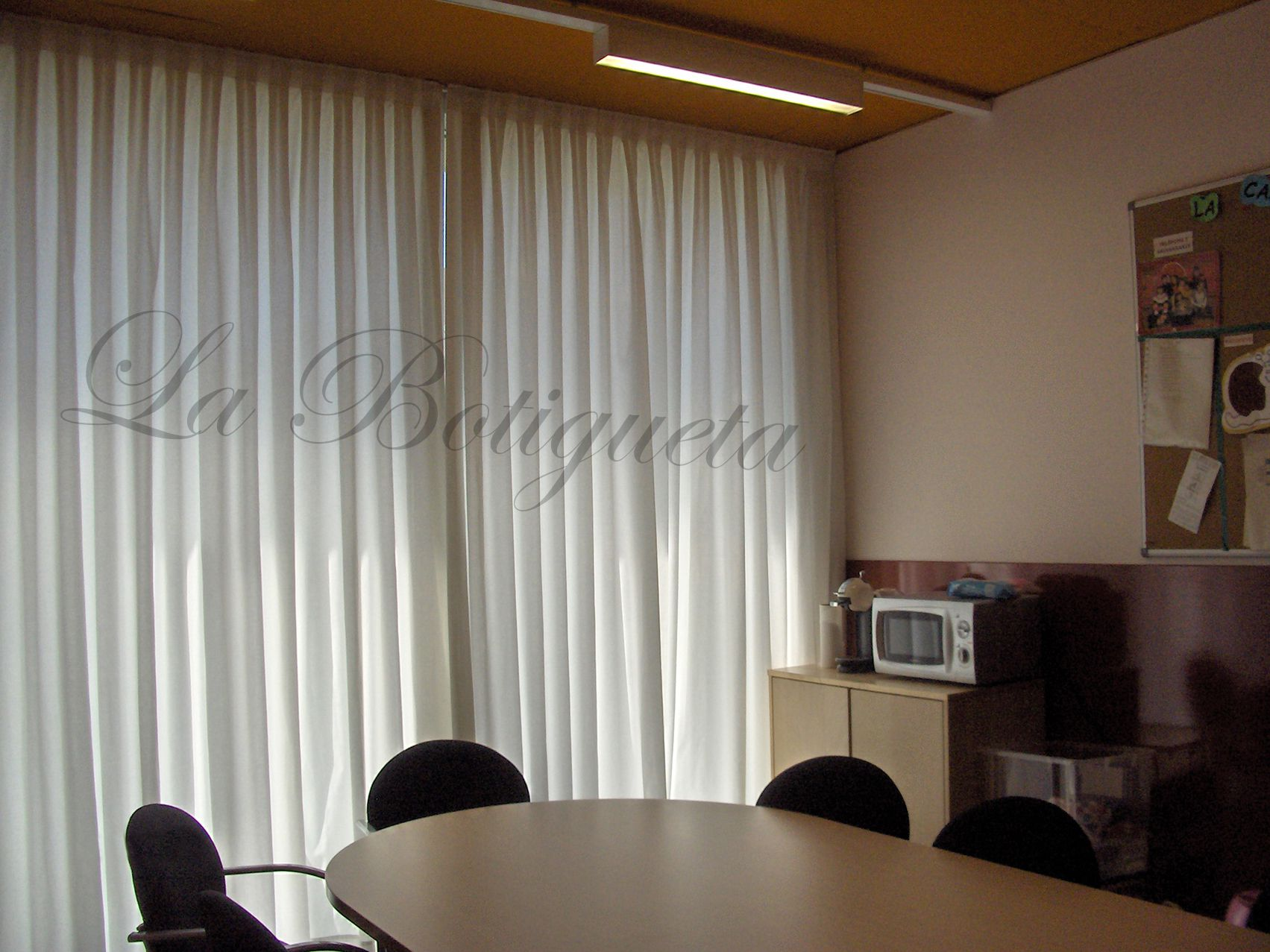 Cortinas de oficina enrollables t rmicas entre otras para - Cortinas de oficina ...